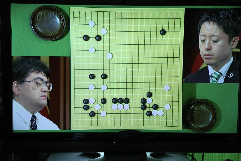 NHK杯戦囲碁 新垣朱武九段 対 中野寛也九段