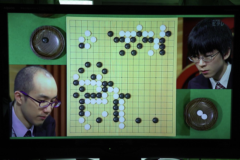 NHK杯戦囲碁 黄翊祖8段 対 芝野虎丸2段