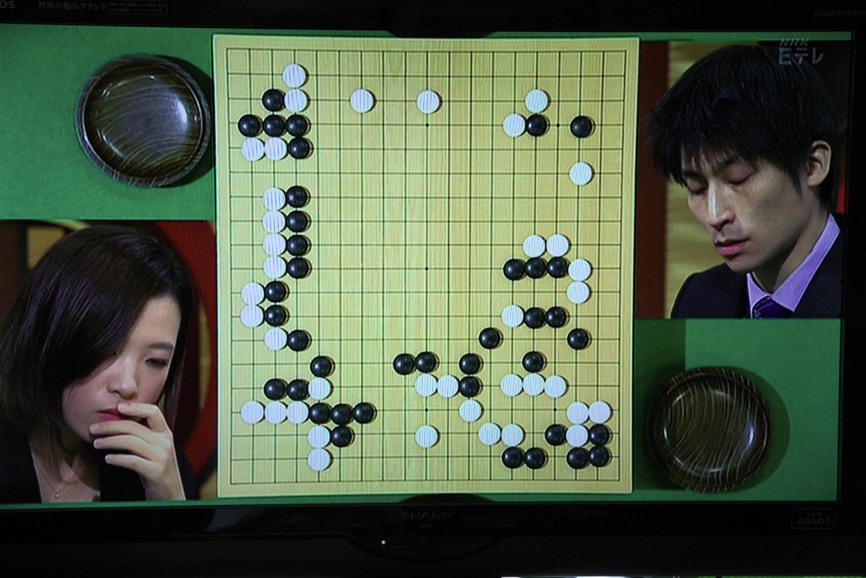 NHK杯戦の囲碁 謝依旻6段 対 張栩9段